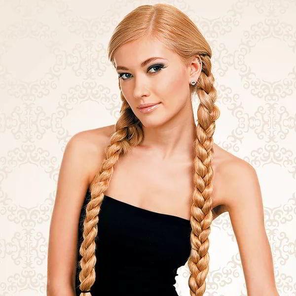 Классическая коса из трех прядей на длинные волосы 2020