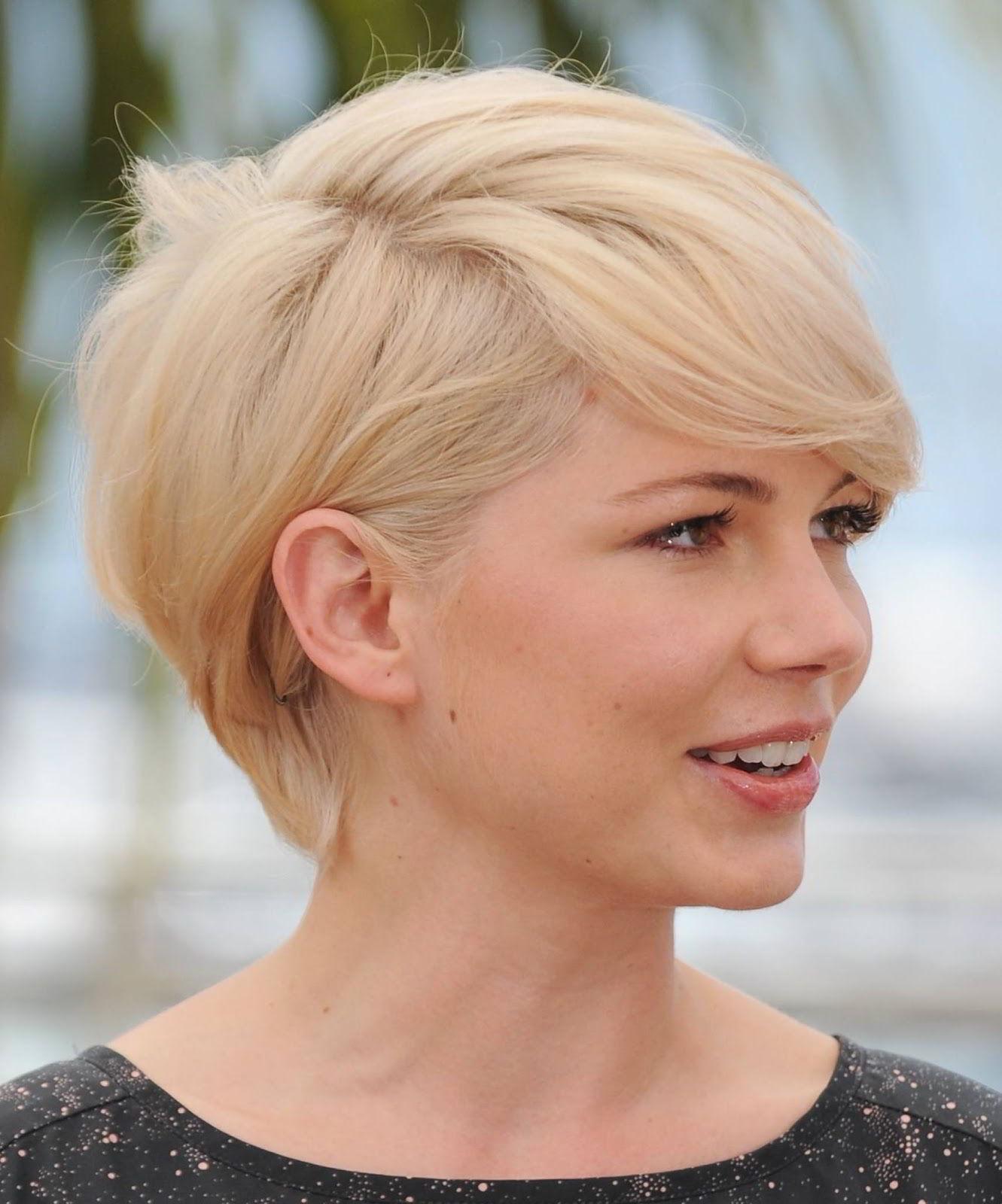 Модная прическа блондинок пикси 2020