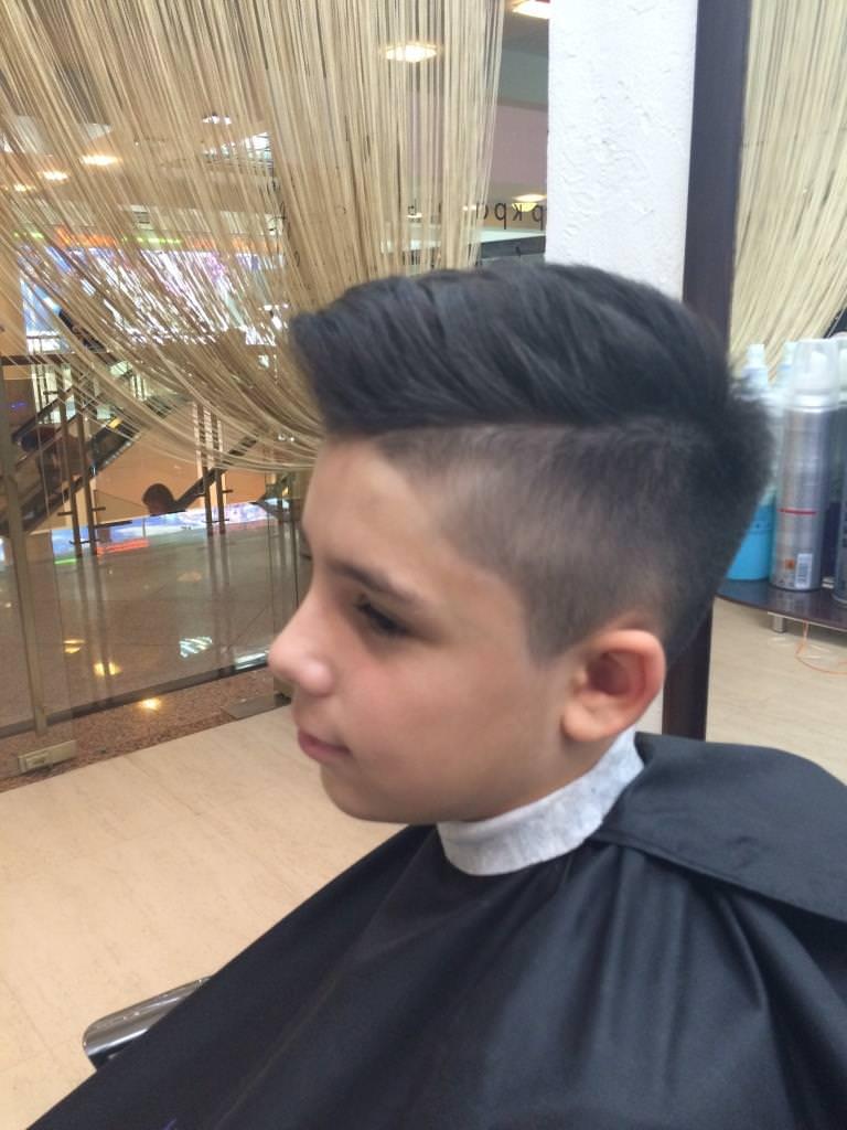 Модная прическа полубокс для мальчиков 10-11 лет 2020