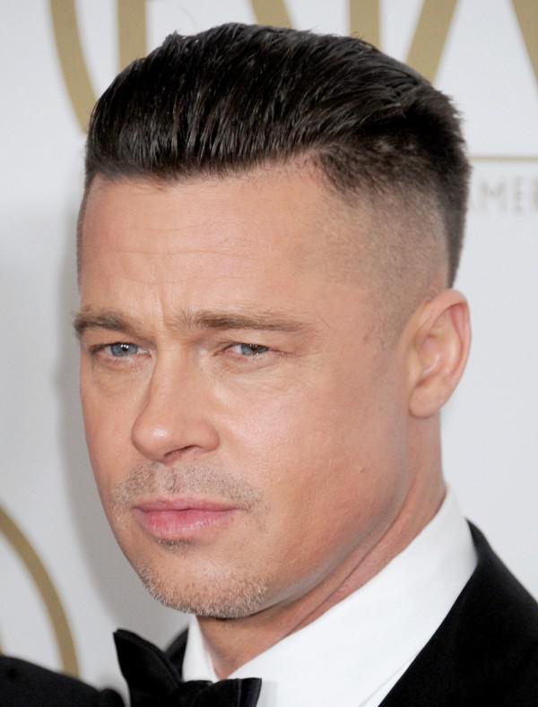 Модная мужская стрижка undercut на короткие волосы 2020